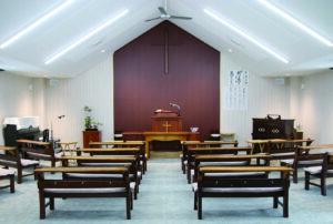 新しくなった教会内部の様子です。
